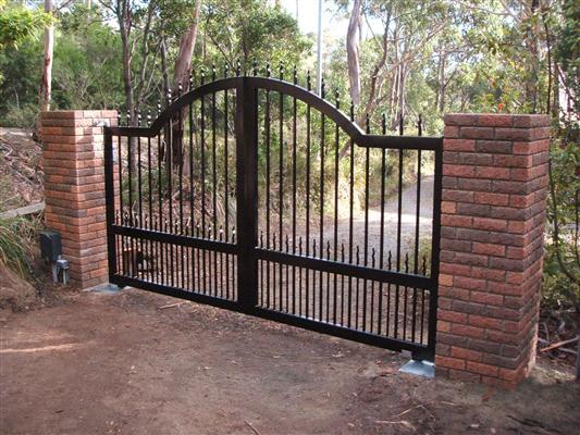 gates_n_fences-31