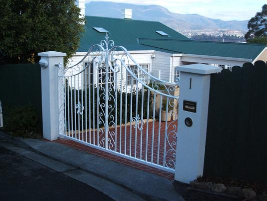 gates_n_fences-40
